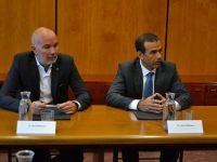 El DARP y CaixaBank se unen para financiar proyectos de cooperación de los GAL