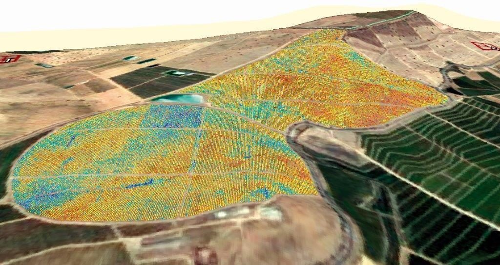 Tras el análisis de los datos tomados con los drones, se toman las decisiones pertinentes para el cultivo.