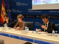 García Tejerina: El mantenimiento de la competitividad pasa por dotar a las empresas hortícolas de la última tecnología