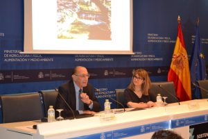 El ex ministro Jaime Lamo de Espinosa destacó la importancia de un Pacto de Estado del Agua.