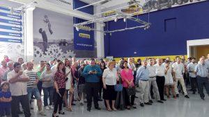 Más de 300 personas acudieron a la inauguración del nuevo concesionario de New Holland en Navarra.