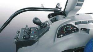 Consola derecha con todos los mandos hidráulicos integrados
