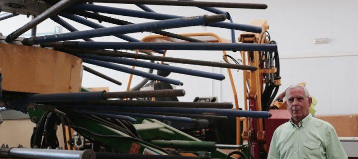 Una nueva cosechadora para abaratar el coste de recogida en el olivar tradicional