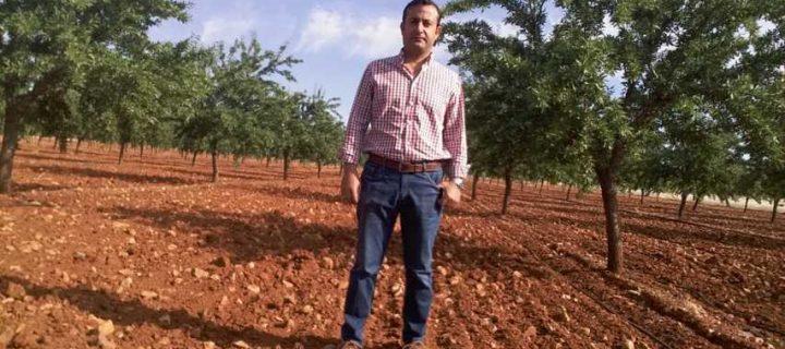 Crisolar responde a todas las necesidades del agricultor desde que implanta el primer árbol hasta que vende su almendra