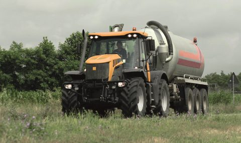 BKT dedica neumáticos específicos a remolques agrícolas